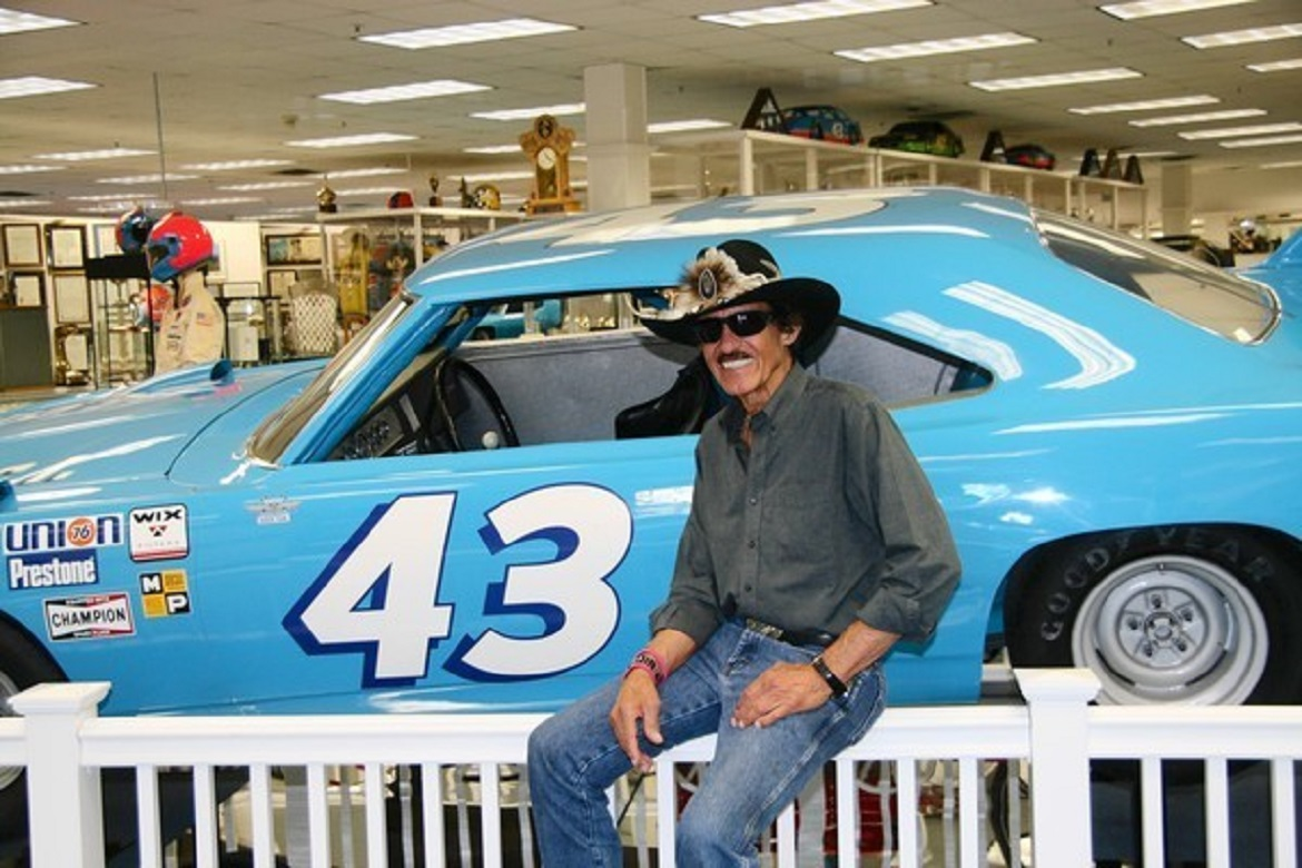 os-pictures-richard-petty-at-his-garage-and-museum-20120630-1