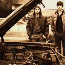 ob Hardy (left) and his HEMI-powered 1969 Dart. Born a rare H-code 383 4-speed Dart GTS, the engine was even more special, having come from a 1971 HEMI 'Cuda that had been crashed into a tree.