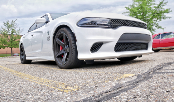 White charger SRT