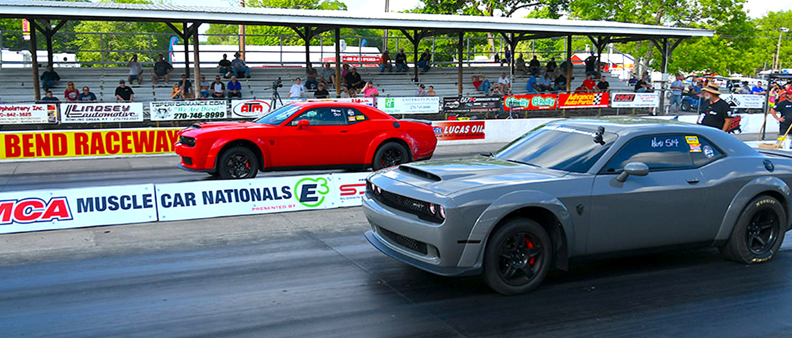 Red Demon and Gray Demon at the starting line