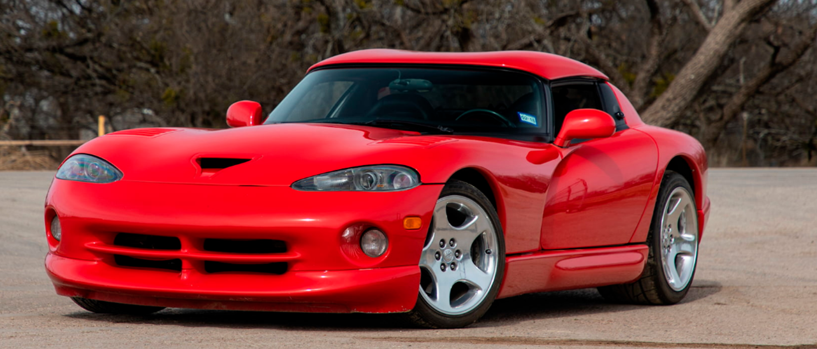 Red 2001 Dodge Viper RT/10