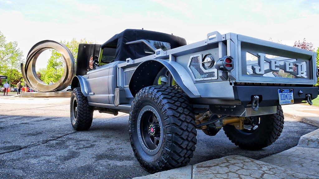 Silver Jeep Gladiator