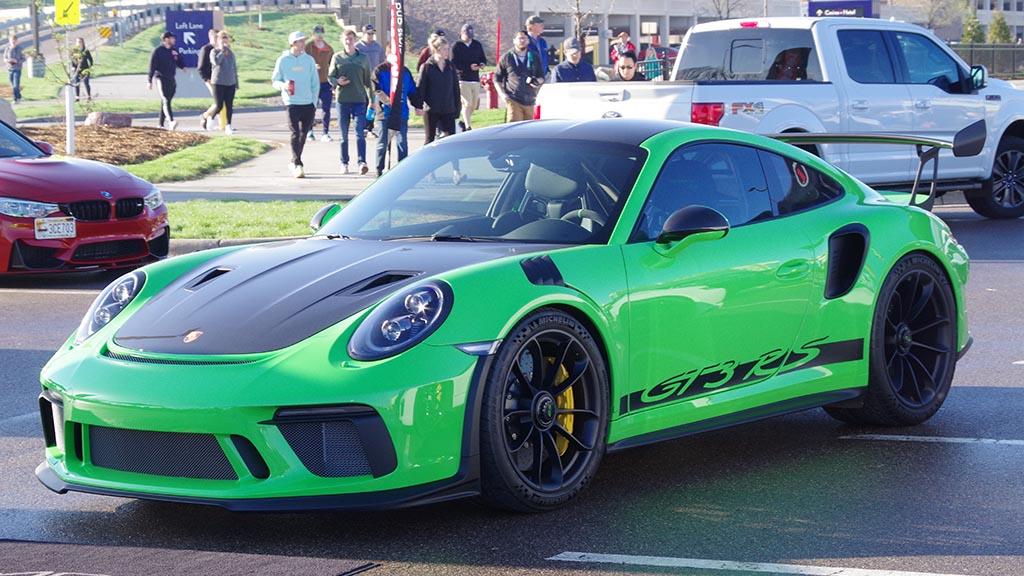 Green Porsche GT3 RS