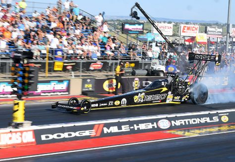 top fuel dragster at the starting line