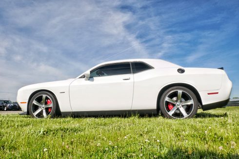 a white dodge challenger