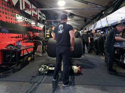 matt hagan working in his pit