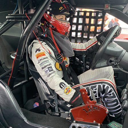 leah pritchett behind the steering wheel