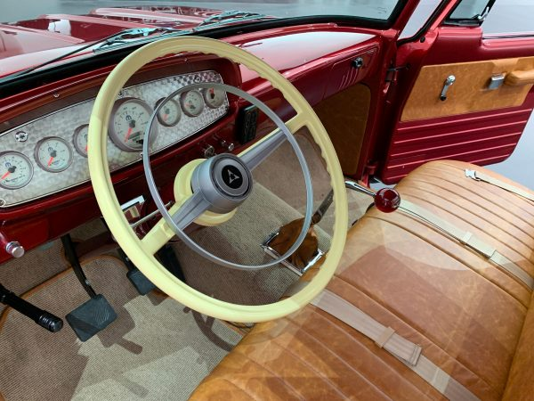 steering wheel of the Mopar® Dodge Lowliner Concept
