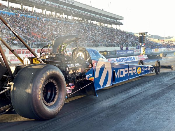 top fuel dragster on the starting line
