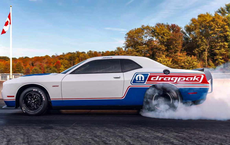 Dodge dragpak doing a burn out