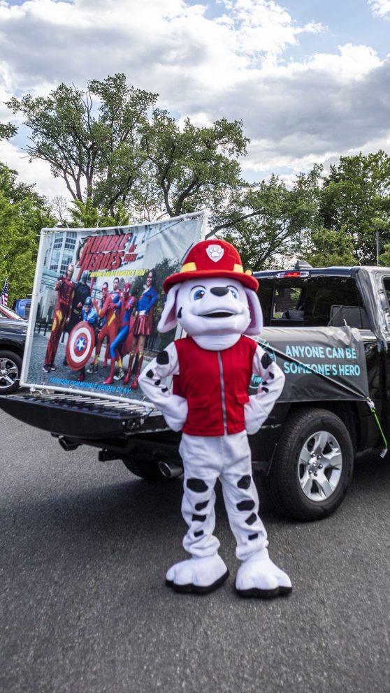 parade mascotr