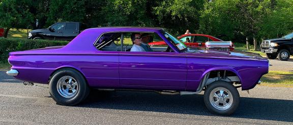 Dodge vehicle driving into Carlisle