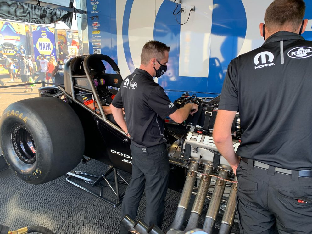crew working on funny car