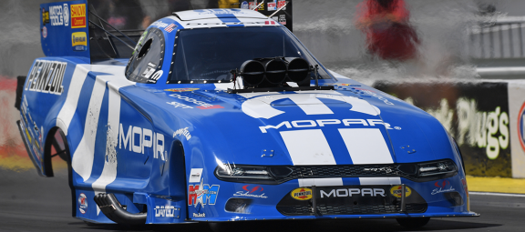 """Mopar Express Lane NHRA Midwest Nationals Presented by Pennzoil"""" Event Revs Up This Weekend in St. Louis"""