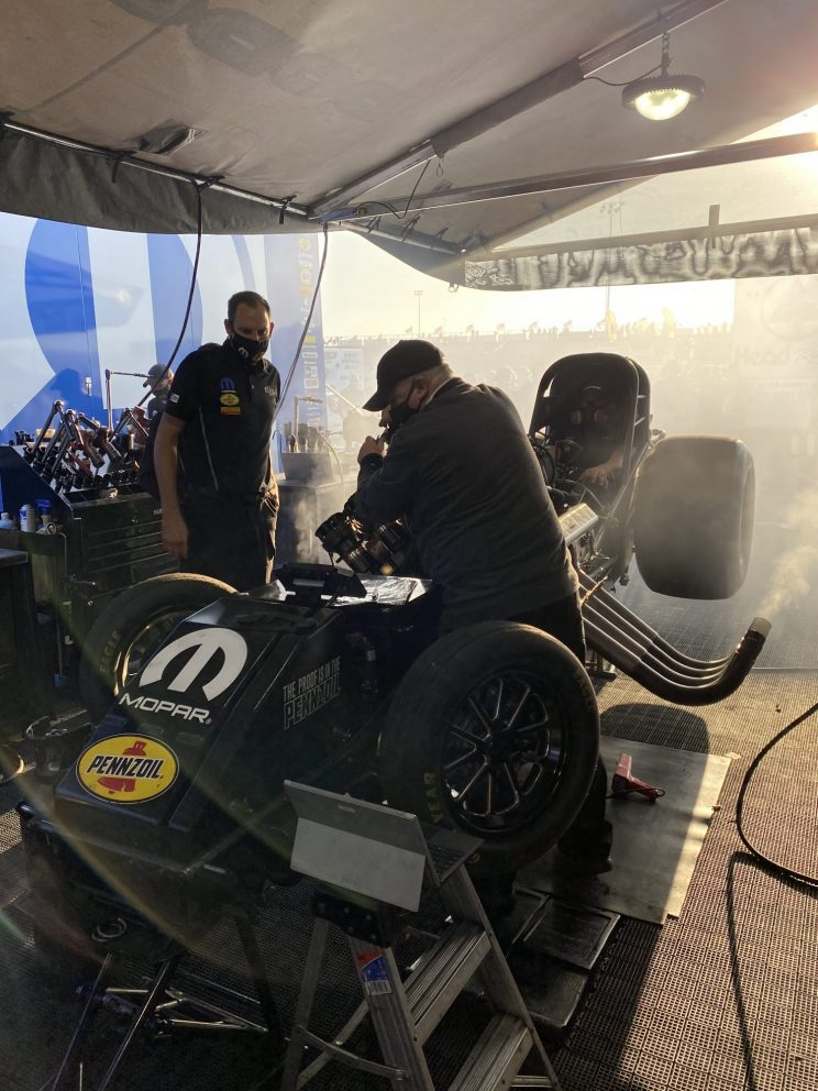 DSR crew working on a car