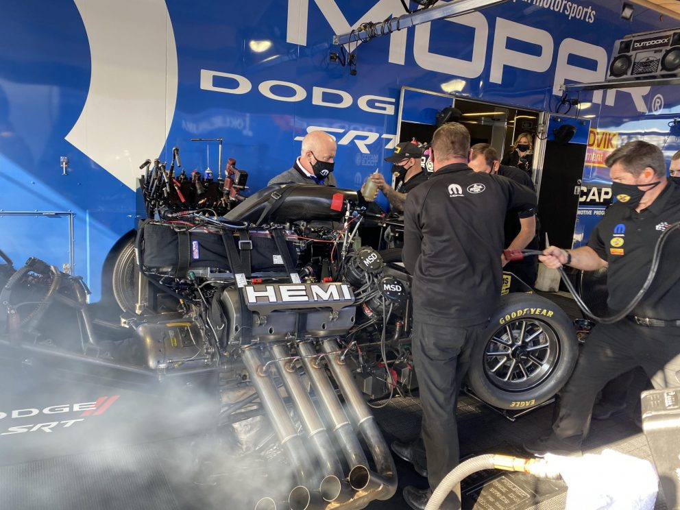 DSR crews working on a car