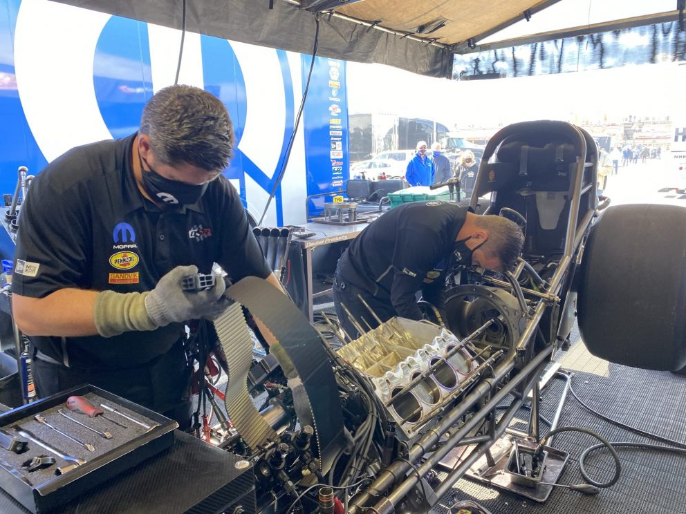DSR crews working on cars