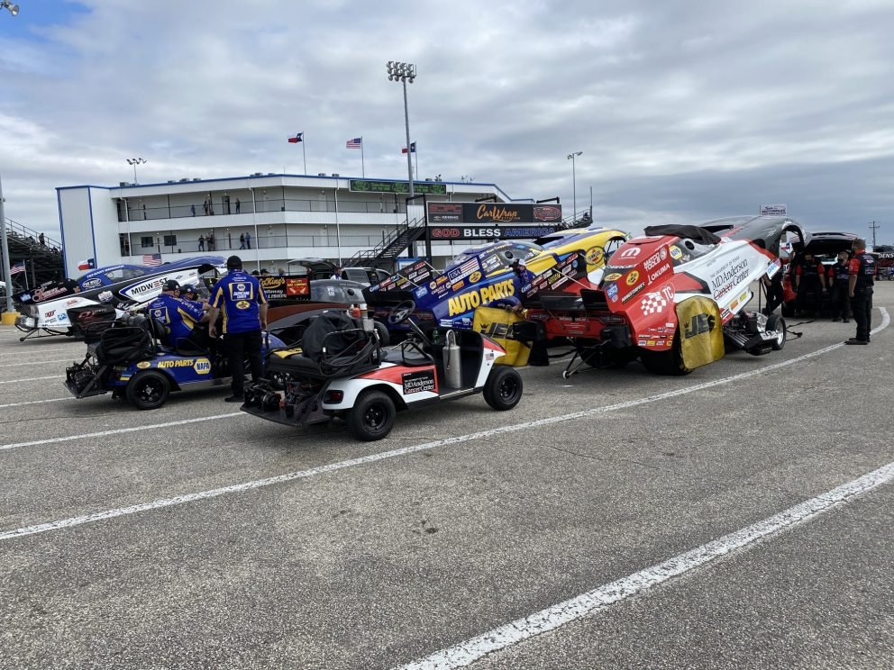 DSR crews getting ready to race