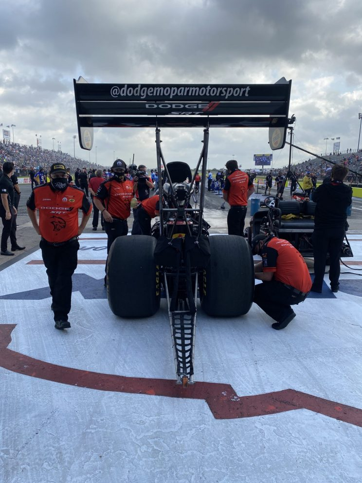 Leah Pruett's team preparing to race