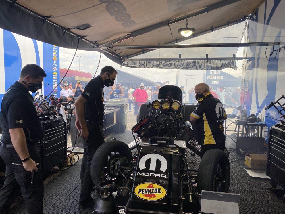 Matt Hagan's team working on his car