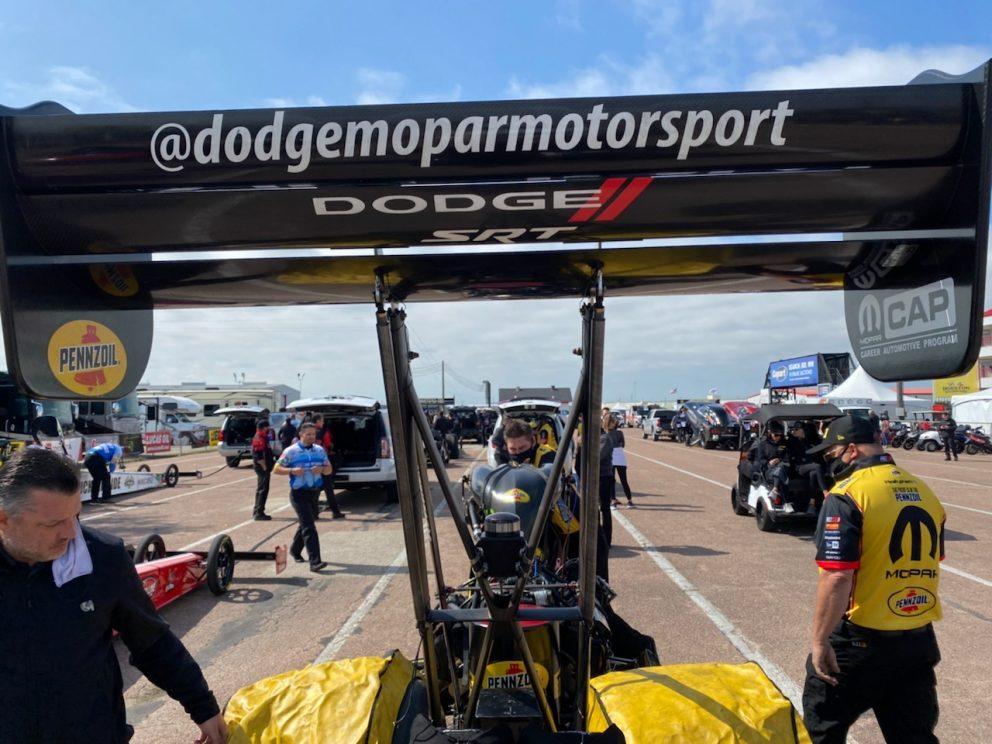 Leah Pruett's crew getting ready to race