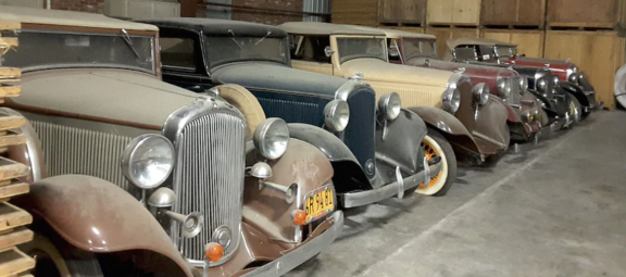 1932 classic Mopar vehicles