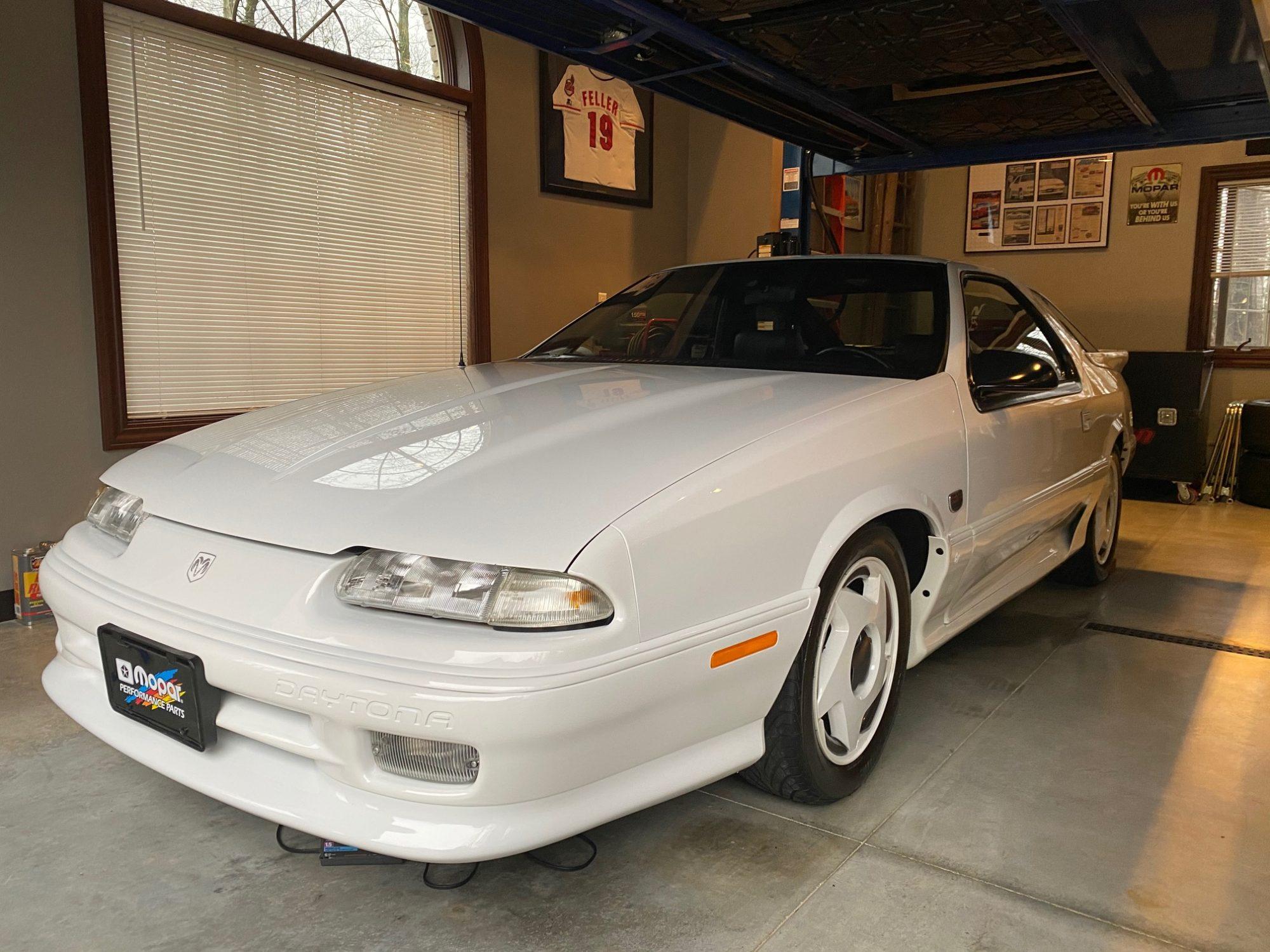 Beautiful white 1992 Dodge Daytona IROC R/T