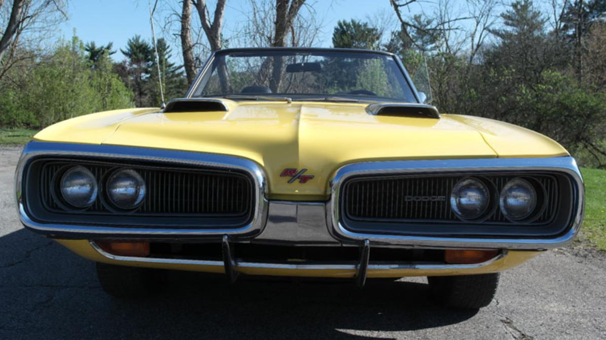 1970 Dodge Coronet R/T front end