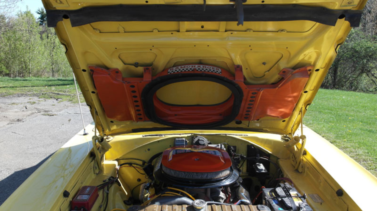 1970 Dodge Coronet R/T engine