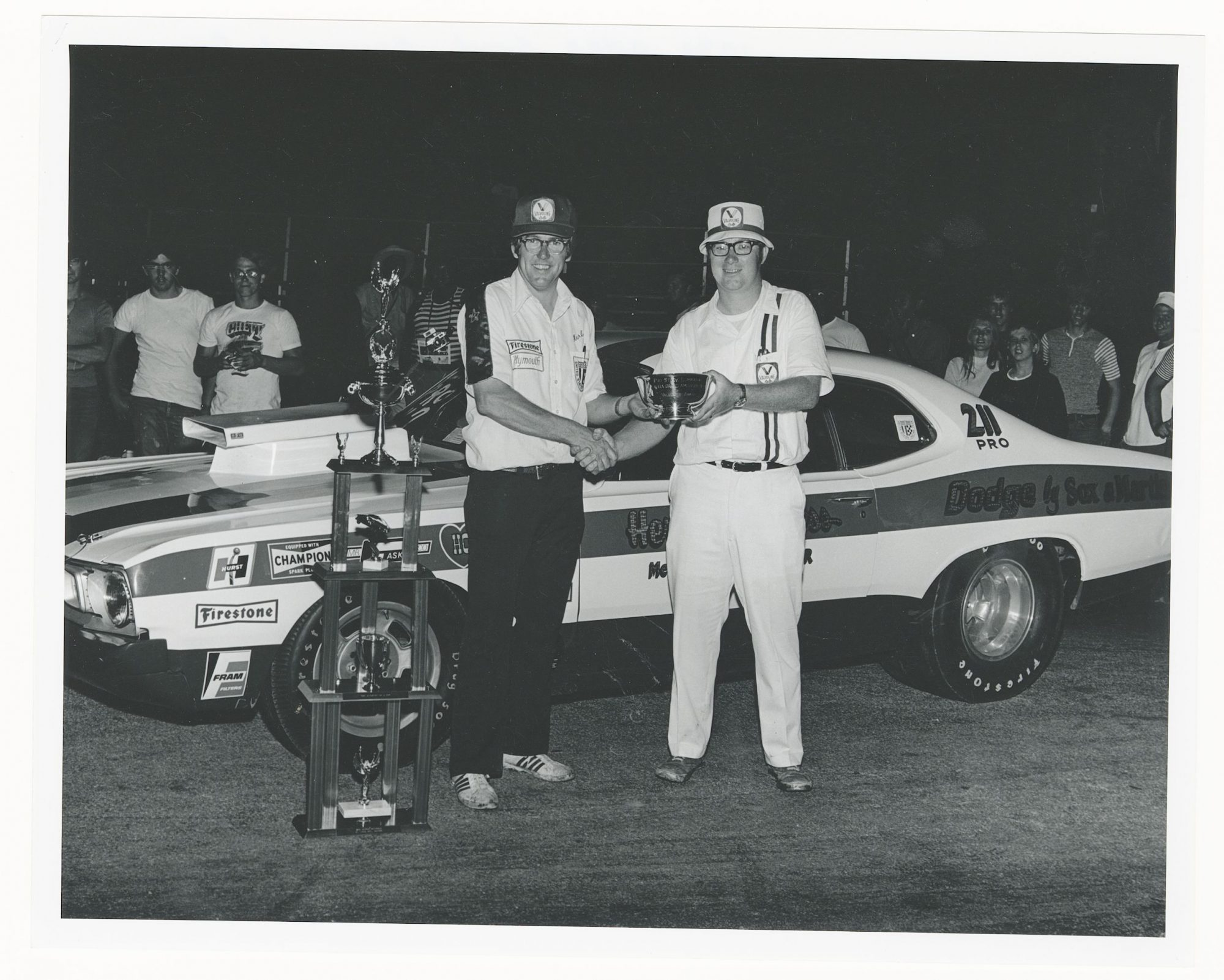 Herb McCandless receiving a trophy