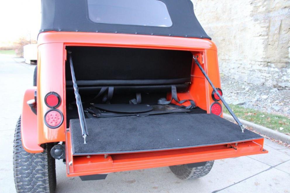 1941 Dodge Power Wagon Command trunk