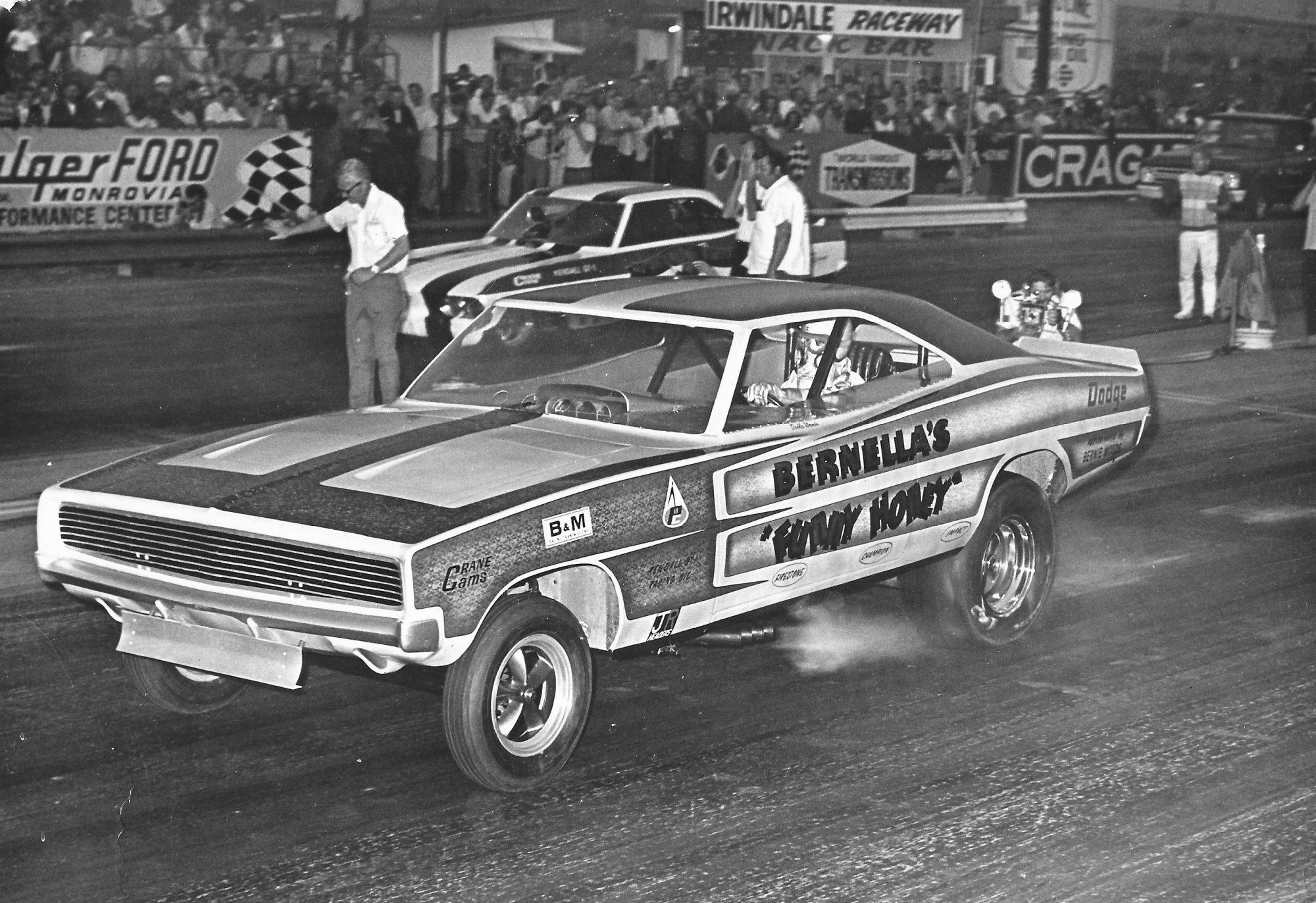 Della Woods drag racing