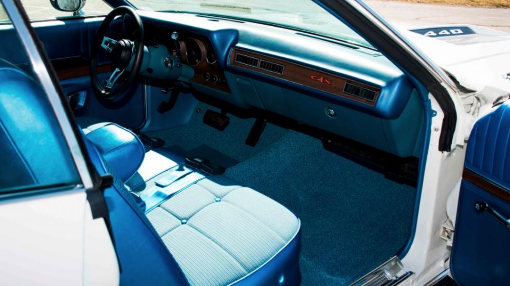 1971 Plymouth GTX Hardtop interior