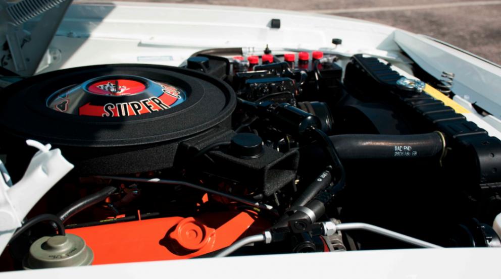 1971 Plymouth GTX Hardtop engine