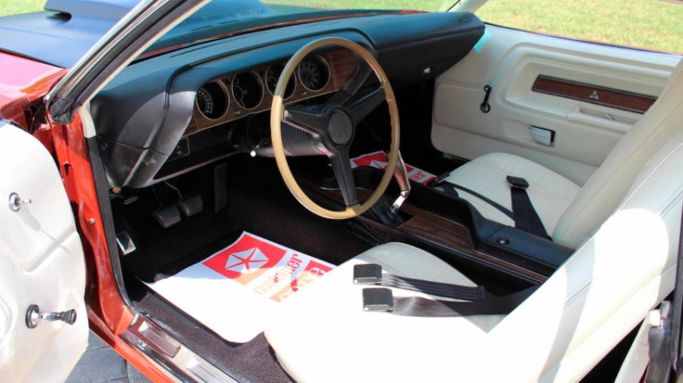 1970 Dodge Challenger T/A interior