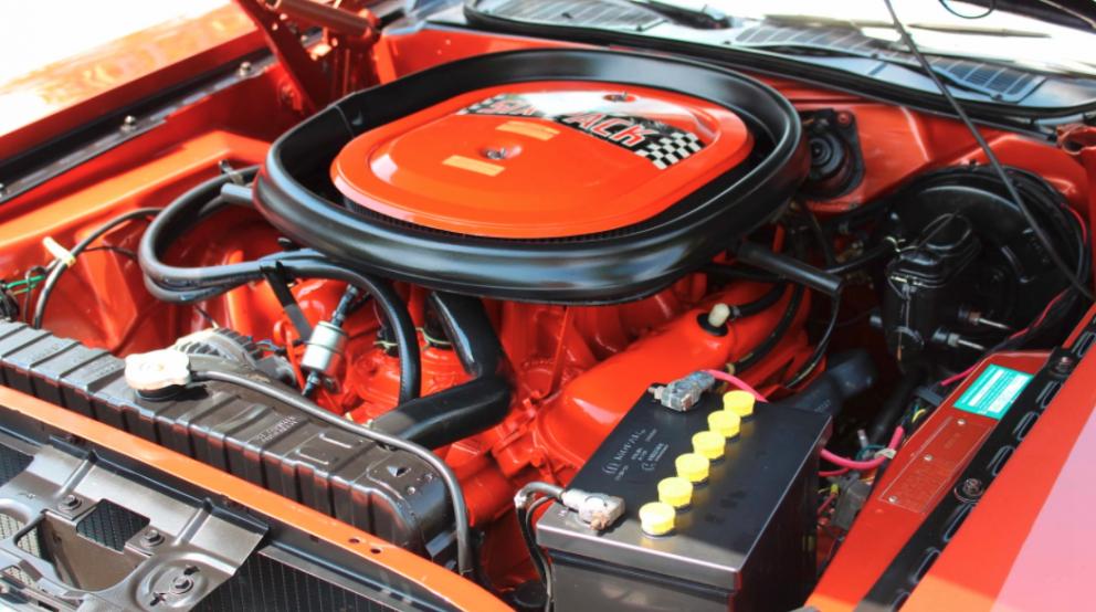 1970 Dodge Challenger T/A engine