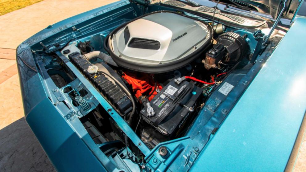 1970 Plymouth HEMI Cuda engine