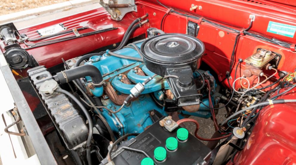 1971 Dodge D100 Sweptline Special Pickup engine