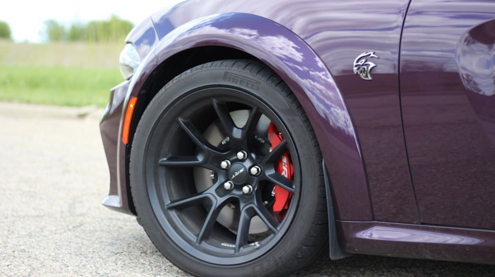 2021 Dodge Charger SRT Hellcat Redeye tire