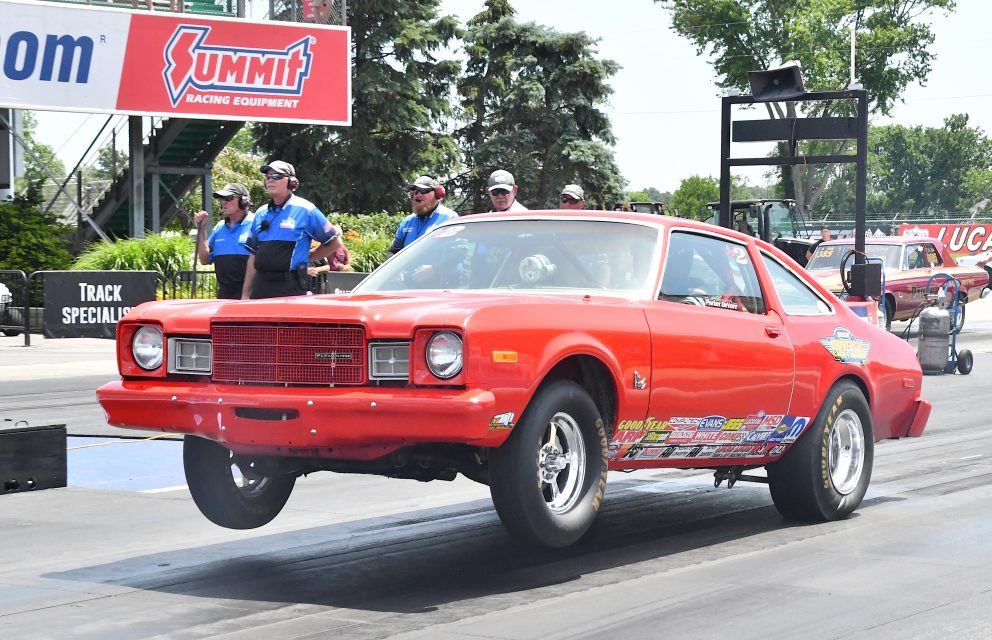 Sportsman racers drag racing at Norwalk