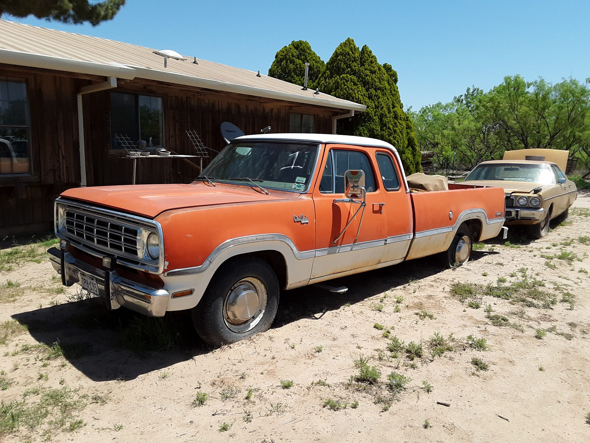 1974 Dodge D200 Club Cab