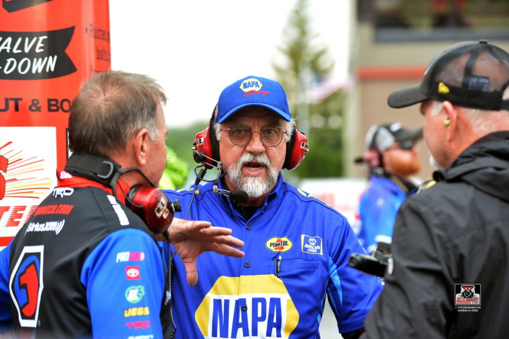 Ron Capps crew talking