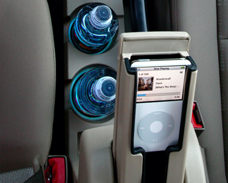 MP3 holder in a Dodge Caliber