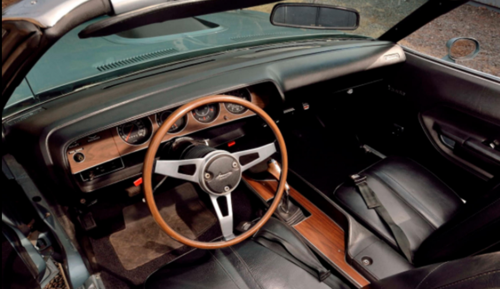 1971 Plymouth HEMI 'Cuda Convertible interior