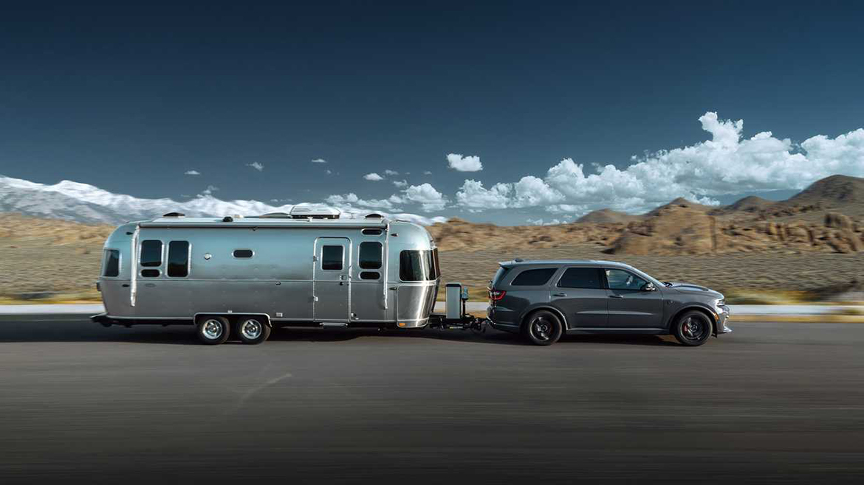 Dodge Durango SRT Hellcat pulling a trailer