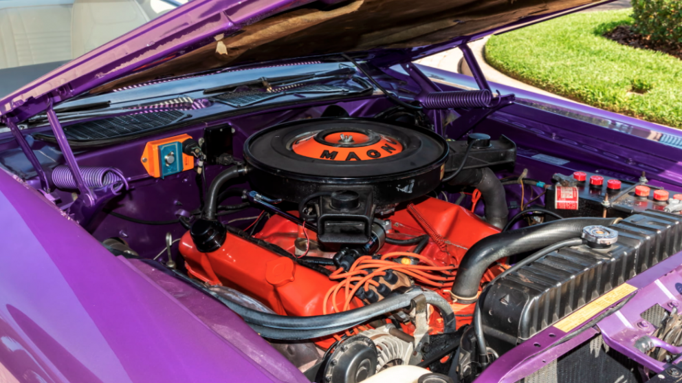1970 Dodge Challenger R/T engine