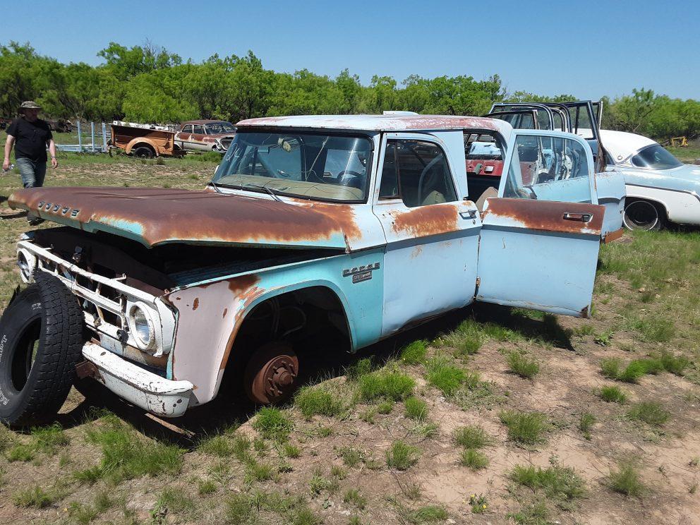 1969 Dodge D200 Crew Cab
