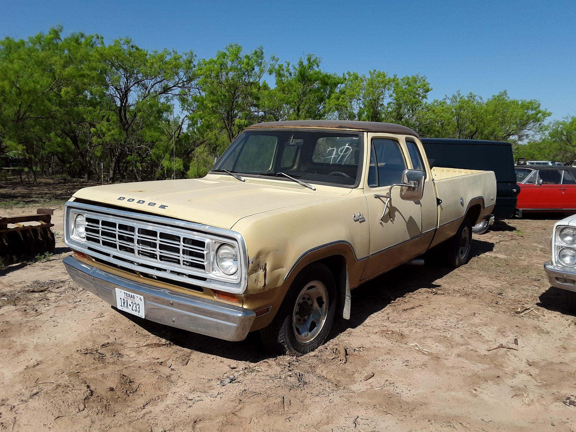 1974 Dodge D200 Club Cab Pickup