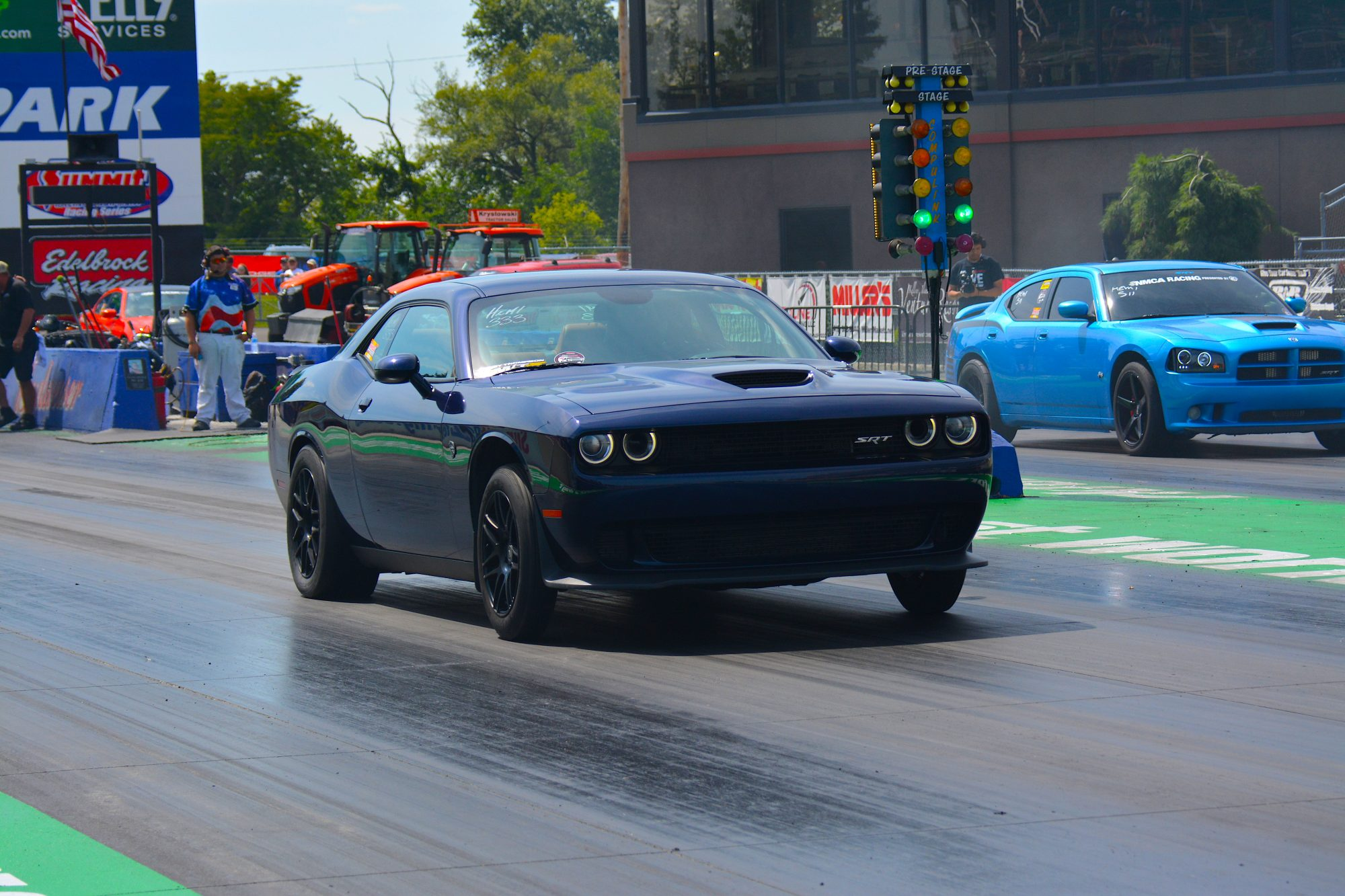 Dodge Challenger drag racing
