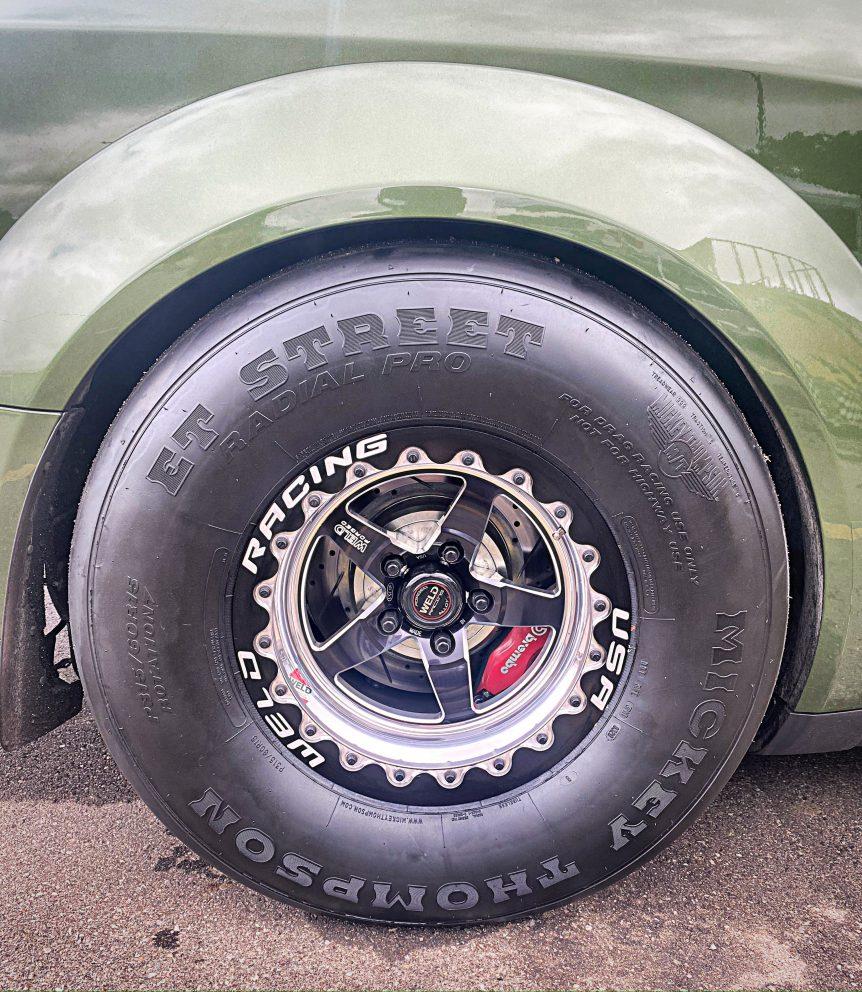 Drag radial tire